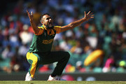 Imran Tahir of South Africa appeals for a wicket during the 2015 ICC Cricket World Cup Quarter Final match between South Africa and Sri Lanka at Sydney Cricket Ground on March 18, 2015 in Sydney, Australia.
