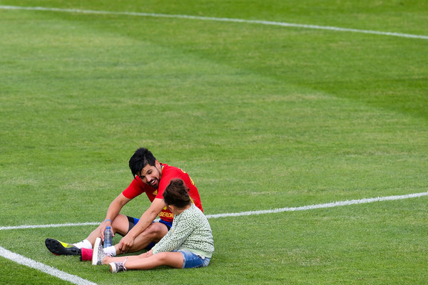 Spain Press Conference and Training Session - UEFA Euro 2016