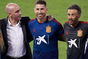 Luis Enrique Martinez (R) pose on next to Luis Manuel Rubiales (L), President of Spanish Royal Football Federation (RFEF) and Sergio Ramos (C) of Spain during the Spain Training Session ahead of their UEFA Nations League match against Spain at Estadio Benito Villamarin on October 14, 2018 in Seville, Spain.