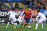 Alvaro Arbeloa (C) of Spain takes on Mamadou Sakho (L) and Maxime Gonalons of France during the FIFA 2014 World Cup Qualifier between Spain and France at estadio Vicente Calderon on October 16, 2012 in Madrid, Spain.