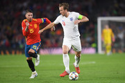 Sergio Ramos of Spain and Harry Kane of England in action during the UEFA Nations League A group four match between Spain and England at Estadio Benito Villamarin on October 15, 2018 in Seville, Spain.