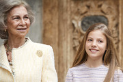 Queen Sofia (L) and Princess Sofia of Spain (R)  attend the Easter Mass at the Cathedral of Palma de Mallorca on April 21, 2019 in Palma de Mallorca, Spain.