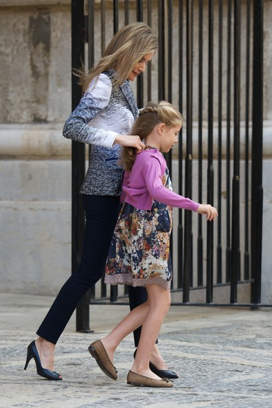 Princess Letizia of Spain (L) and Princess Sofia of Spain (R) attend the Easter Mass at the Cathedral of Palma de Mallorca on April 20, 2014 in Palma de Mallorca, Spain.