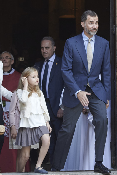Princess Leonor of Spain and King Felipe VI of Spain attend the Easter Mass at the Cathedral of Palma de Mallorca on April 5, 2015 in Palma de Mallorca, Spain.