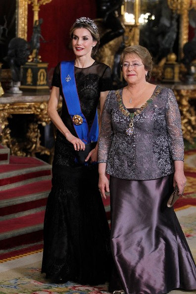 Queen Letizia of Spain (L) receive Chilean President Michelle Bachelet (R) for a Gala dinner at the Royal Palace on October 29, 2014 in Madrid, Spain.