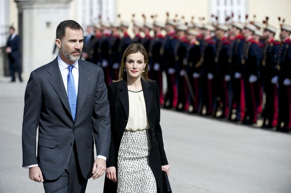 (L-R) King Felipe VI of Spain and Queen Letizia of Spain receive the President of Colombia Juan Manuel Santos (not pictured) and Maria Clemencia Rodriguez de Santos (not pictured) at El Pardo Royal Palace on March 1, 2015 in Madrid, Spain.