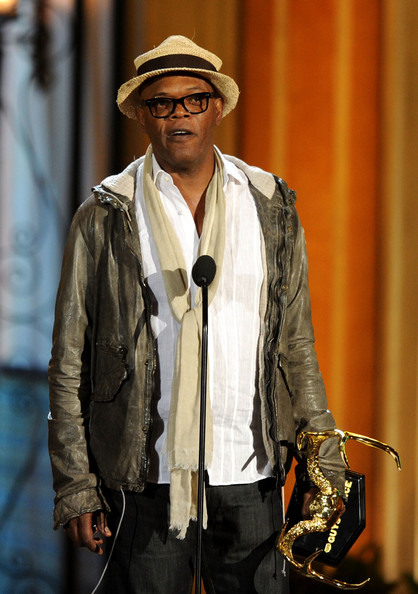 "Actor Samuel L. Jackson presents the Guy Movie of the Year award onstage during Spike TV's 5th annual 2011 ""Guys Choice"" Awards at Sony Pictures Studios on June 4, 2011 in Culver City, California."