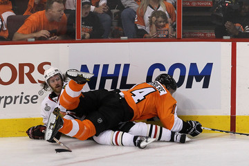 Ian Laperriere Stanley Cup Finals - Chicago Blackhawks v Philadelphia Flyers - Game Three