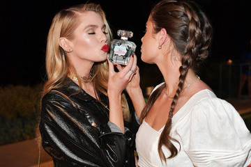 Stella Maxwell Taylor Hill Angel Taylor Hill Introduces The New Tease Dreamer Fragrance Collection At Victoria's Secret