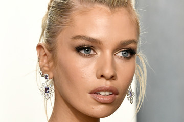 Stella Maxwell 2020 Vanity Fair Oscar Party Hosted By Radhika Jones - Arrivals