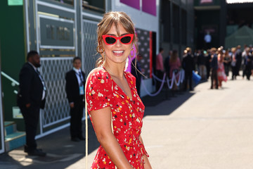 Steph Claire Smith Celebrities Attend Oaks Day