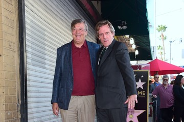 Stephen Fry Hugh Laurie Is Honored With a Star on the Hollywood Walk of Fame