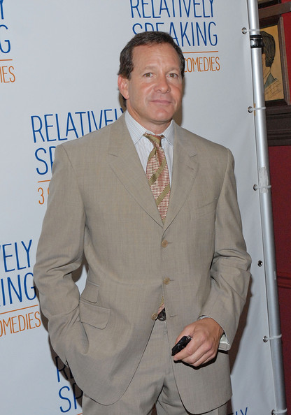 guttenberg dating site (30 september 1988 - 1992) (divorced) guttenberg married model denise bixler on september 30, 1988 they separated in june 1991 and were divorced in 1992.
