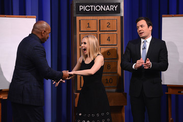 Steve Harvey Kristen Bell Visits 'The Tonight Show'