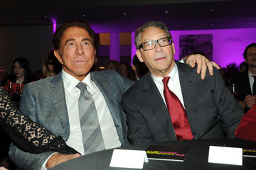 Steve Wynn Stuart Weitzman Honored For 2012 Footwear News Achievement Awards