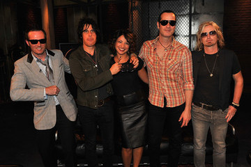Scott Weiland Stone Temple Pilots, Will Forte, And Ice Cube Vist fuse Studios