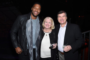 Sue White DirecTV Super Saturday Night Hosted By Mark Cuban's AXS TV And Pro Football Hall Of Famer Michael Strahan - Inside