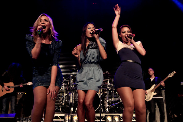 http://www3.pictures.zimbio.com/gi/Sugababes+Perform+RoundHouse+94DWx9ZBaBel.jpg