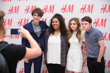 Sydney Sierota Hailee Steinfeld and Echosmith Celebrate H&M at Sundance Square