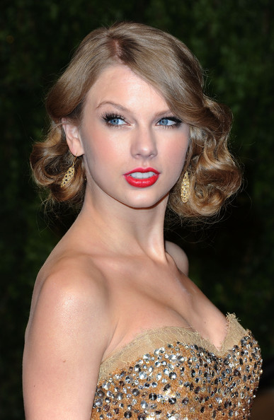 Taylor Swift Red Carpet Dresses. red carpet, taylor big