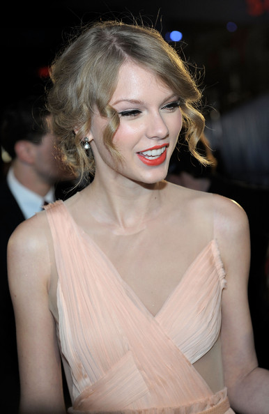 taylor swift people. Taylor Swift Singer Taylor