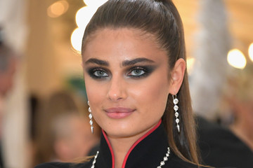 Taylor Hill Heavenly Bodies: Fashion & The Catholic Imagination Costume Institute Gala - Arrivals