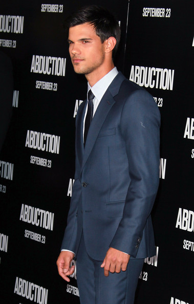 "Taylor Lautner Actor Taylor Lautner attends the premiere of Lionsgate Films' ""Abduction"" at Grauman's Chinese Theatre on September 15, 2011 in Hollywood, California."