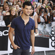 https://www3.pictures.zimbio.com/gi/Taylor+Lautner+Signing+Session+Secret+Identity+r-Lugpd731Ic.jpg