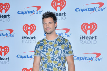 Taylor Lautner 2017 iHeartRadio Music Festival - Night 2 - Red Carpet