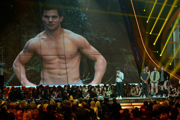 Taylor Lautner 2013 MTV Movie Awards Show