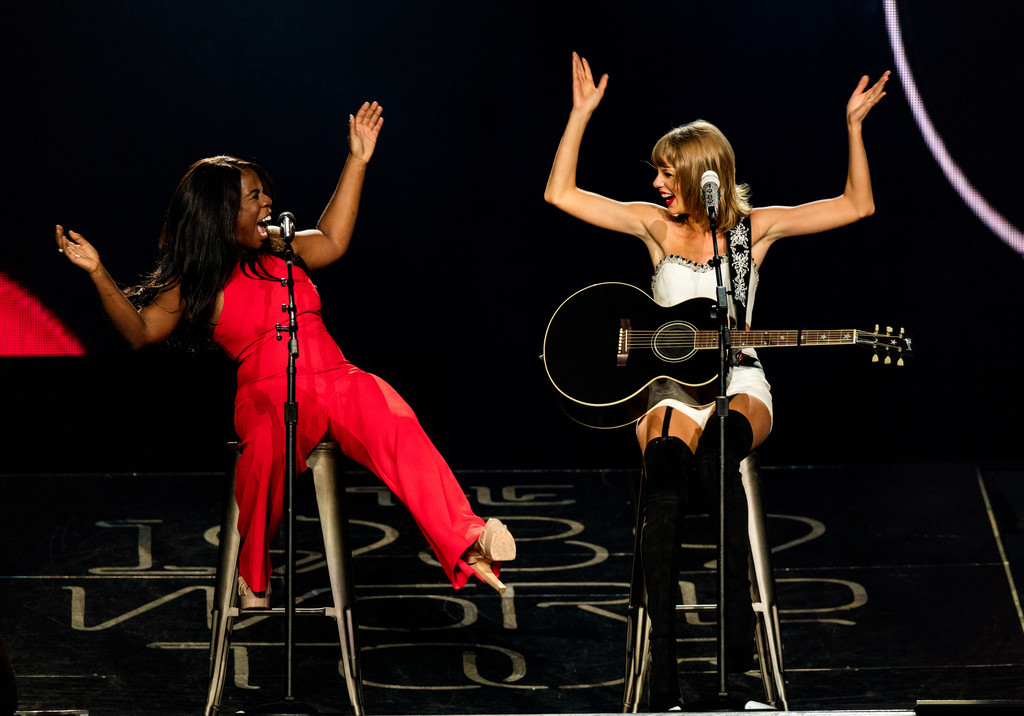 Watch Taylor Swift Rock Out with Uzo Aduba, Mary J. Blige and More