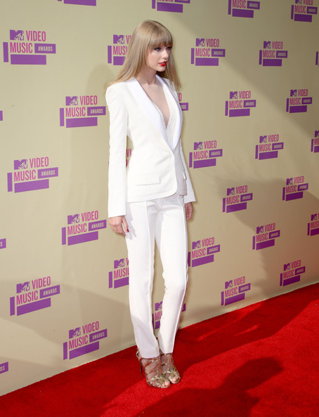Taylor Swift Singer Taylor Swift arrives at the 2012 MTV Video Music Awards at Staples Center on September 6, 2012 in Los Angeles, California.