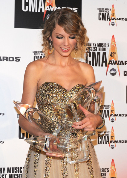 Taylor swift photos photos the 43rd annual cma awards for How many country music awards are there