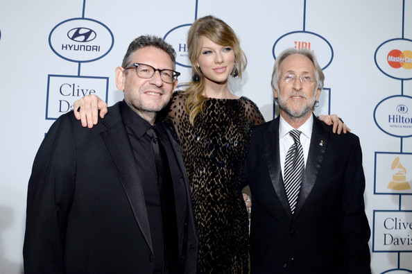 Taylor Swift (L-R) Honoree Lucian Grainge, recording artist Taylor Swift, and CEO/President of the National Academy of Recording Arts & Sciences Neil Portnow attend the 56th annual GRAMMY Awards  Pre-GRAMMY Gala and Salute to Industry Icons honoring Lucian Grainge at The Beverly Hilton on January 25, 2014 in Beverly Hills, California.