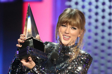 Taylor Swift 2018 American Music Awards - Social Ready Content