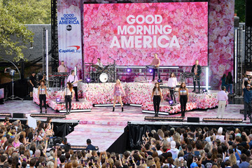 """Taylor Swift Taylor Swift Performs On ABC's """"Good Morning America"""""""