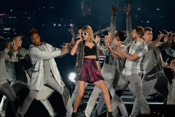 Taylor Swift Taylor Swift and Shawn Mendes Perform at the 1989 World Tour Live in Atlanta