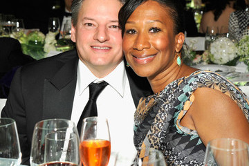 Ted Sarandos Nicole Avant MOCA's 35th Anniversary Gala Presented By Louis Vuitton At The Geffen Contemporary At MOCA - Inside
