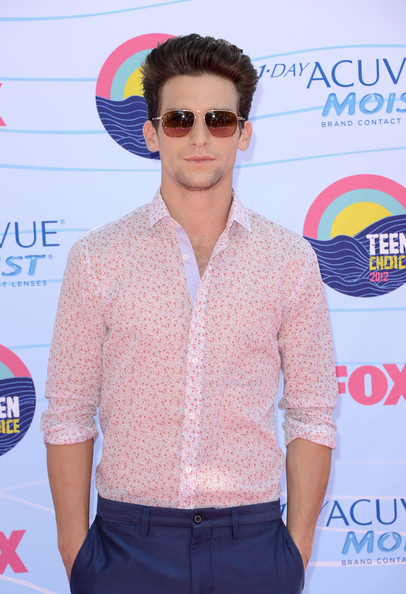 Daren+Kagasoff in Teen Choice Awards 2012 - Arrivals