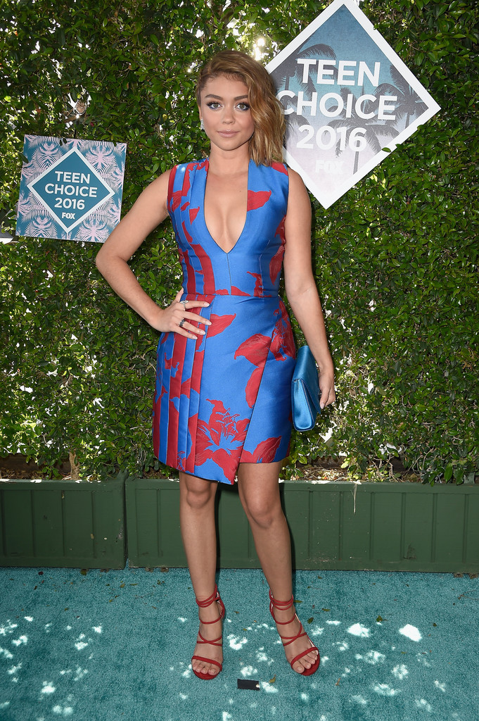 Sarah Hyland - 2016 The Teen Choice Awards in Inglewood 07/31/2016