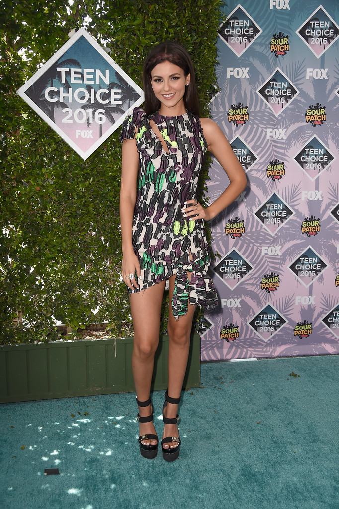 Victoria Justice - The Teen Choice Awards 2016 in Inglewood 7/31/2016