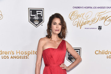 Teri Hatcher 2016 Children's Hospital Los Angeles 'Once Upon a Time' Gala - Arrivals