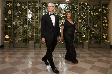 Tim Cook Trump And First Lady Hosts State Dinner For French President Macron And Mrs. Macron