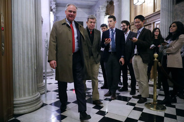 Tim Kaine Congress to Hold Vote on Budget Bill As Shutdown Deadline Looms