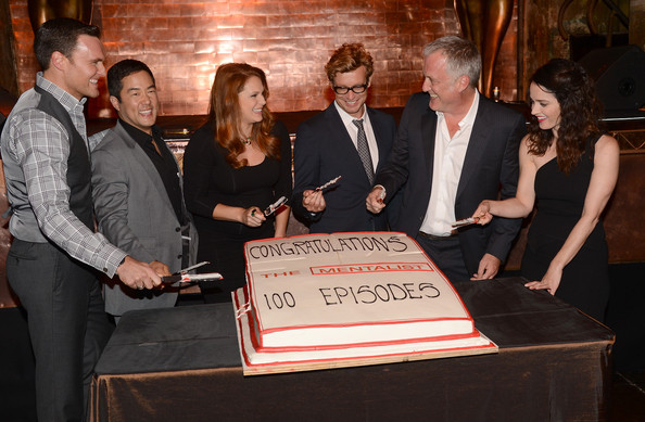 "CBS Celebrates 100 Episodes Of ""The Mentalist"" - Inside [episodes,the mentalist,event,bruno heller,robin tunney,actors,owain yeoman,cutting,cake,l-r,cbs]"