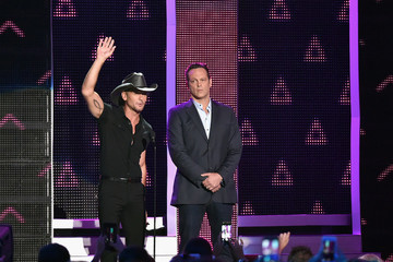 Tim McGraw 2016 CMT Music Awards - Show