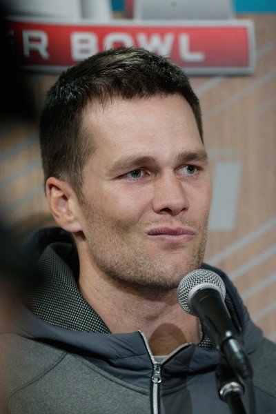 http://www3.pictures.zimbio.com/gi/Tom+Brady+Super+Bowl+Opening+Night+Minute+MB2hh8ul18Tl.jpg