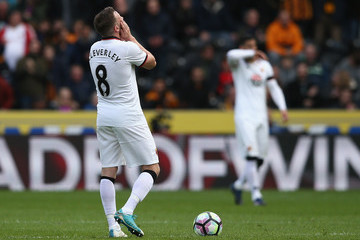 Tom Cleverley Hull City v Watford - Premier League