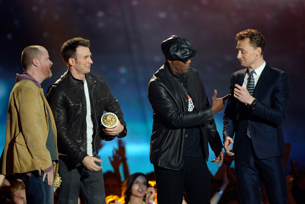 http://www3.pictures.zimbio.com/gi/Tom+Hiddleston+2013+MTV+Movie+Awards+Show+ap5eT_aqQVRx.jpg