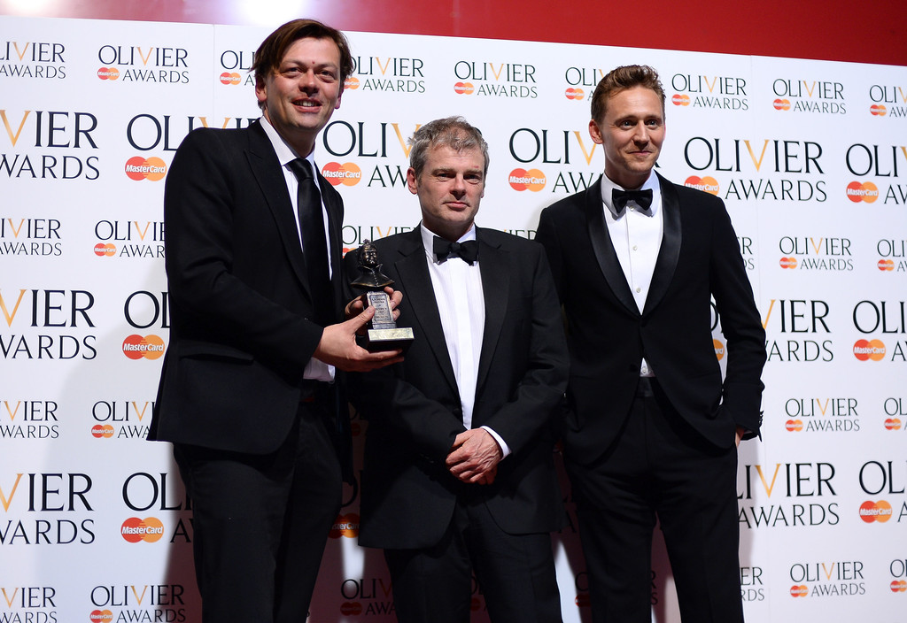 http://www3.pictures.zimbio.com/gi/Tom+Hiddleston+Laurence+Olivier+Awards+Press+79A45IlXdmEx.jpg
